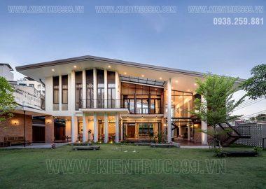 Biệt thự hiện đại 2 tầng rộng mở phù hợp với khí hậu nhiệt đới.