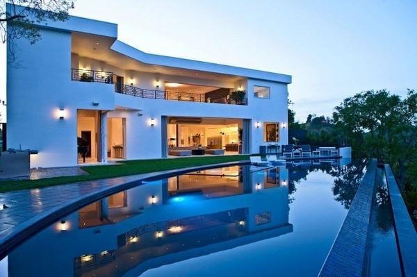 Ngắm biệt thự 2 tầng đẹp, thiết kế biệt thự đẹp, nội thất đẹp triệu đô với bể bơi vô cực.