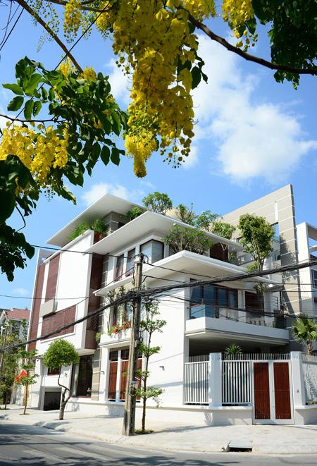 Nhà phố 2 mặt tiền hướng Tây Nam Sài Gòn