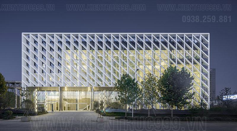 Mẫu thiết kế nhà văn phòng 3 tầng với phong cách hiện đại, tiết kiệm năng lượng.