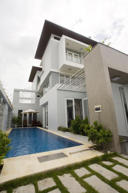 Biệt thự 3 tầng có hồ bơi ở Thuận An- Bình Dương