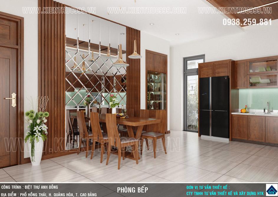 phòng bếp với mảng kính thủy ốp vách trang trí bàn ăn tạo sự sung túc.